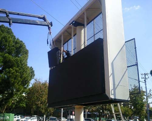 Malta P16 outdoor media led sign project